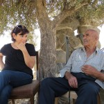 בצל עץ הזית ישבו שרה ברנע ועבד סייאד לשיחה