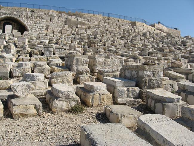 פעולת השיקום של בית הקברות היהודי בהר הזיתים